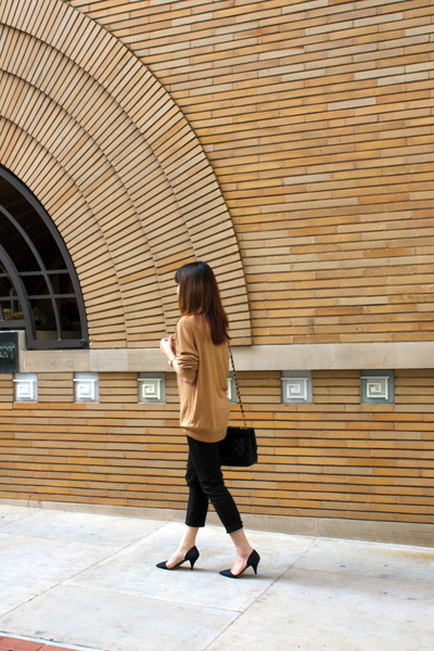 Forever 21 sweatshirt - Zara heels - Club Monaco pants
