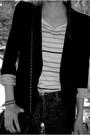 Black-zara-blazer-white-gina-trciot-shirt-blue-cheap-monday-jeans-black-de