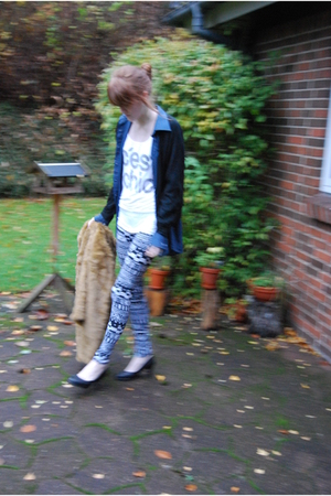H&M Trend shirt - 2ndhand shirt - GINA TRICOT top - Urban Outfitters leggings -