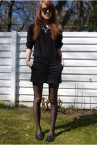 silver h&m divided necklace - black h&m divided sunglasses - black H&M shirt - b