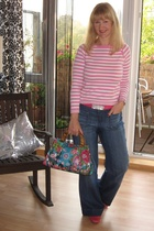 sweater - purse - jeans - shoes