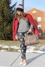 Heather-gray-stars-print-forever21-jeans-heather-gray-beanie-nike-hat