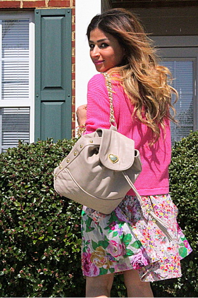 hot pink Forever 21 sweater - tan floral H&M dress