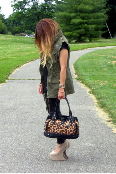 olive green military new look vest - tan heelless shoes UrbanOG wedges