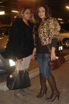 brown renee derhee-paris jacket - brown top - blue jeans - brown purse - brown b