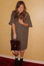 Primark-dress-white-urban-outfitters-blouse-brown-vintage-purse-black-aldo