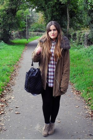 black asos bag - beige asos boots - red thrift shirt - beige TK Maxx coat