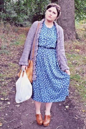 heather gray thrifted cardigan - sky blue thrifted dress - tan vintage bag