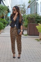 Leopardess!