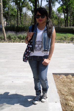 skull top - sunglasses - denim vest
