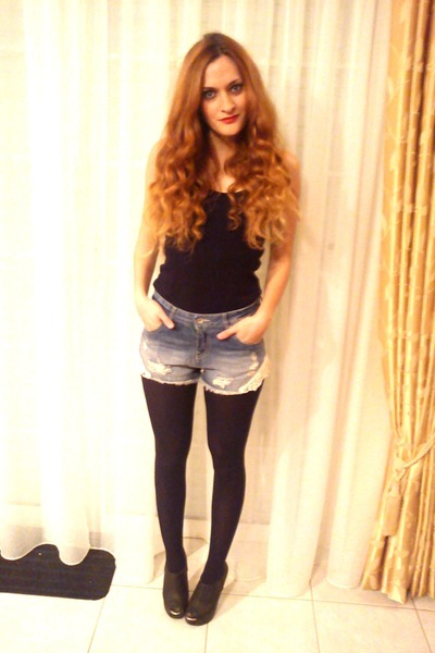 navy Zara shorts - black BLANCO boots - black Zara top