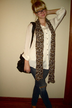 blue Lucky Brand jeans - brown leopard print H&M scarf - black Vans bag - camel
