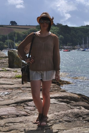 white pyjama playsuit H&M intimate - burnt orange Topman hat - bronze H&M jumper