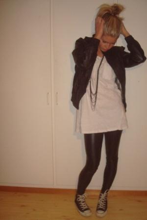 jacket - t-shirt - leggings - shoes - necklace