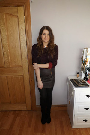 dark brown Oasis skirt - black BERSKA boots - crimson oais jumper - H&M necklace