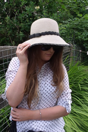 beige M&S hat - navy high-waisted Topshop jeans - white patterned Primark shirt