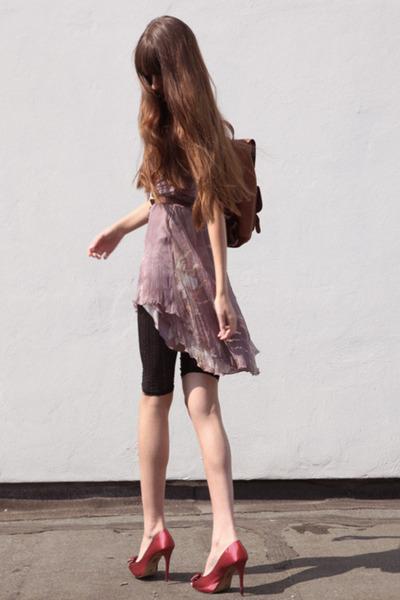 pink silk Carlos Miele dress - bronze leather vintage bag - ruby red Mango heels