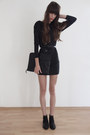 Black-zign-boots-black-studded-jimmy-choo-dress-black-burberry-bag-black-v