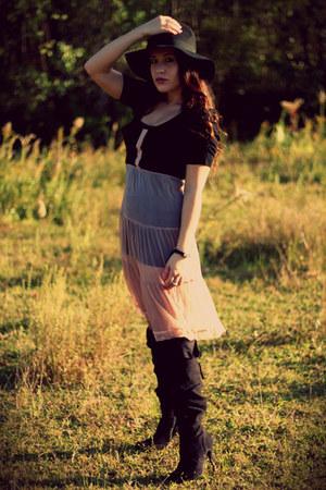 black knee high Nine West boots - black black H&M dress