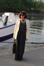 Chloe blazer - Chanel bag - Zara pants - ray-ban glasses