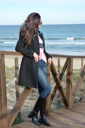 Dear Tee t-shirt - Zara boots - Zara coat - Levis jeans - Levis shirt