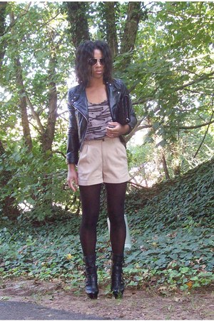 black H&M jacket - black Cole Haan bag - camel H&M shorts