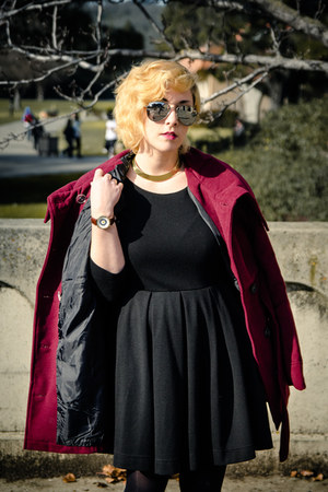 gold collar Forever 21 necklace - black skater H&M dress - maroon BB Dakota coat