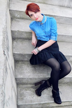 black suede leather Mei boots - sky blue denim Bershka shirt