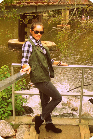 self-made bracelet - Dolce Vita boots - Ray Ban sunglasses - Ana vest