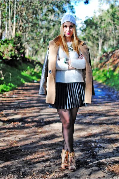 black Stradivarius skirt - brown Uterque boots - brown nowIStyle coat
