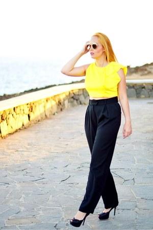 yellow CNdirect top - black opticalh Gucci sunglasses