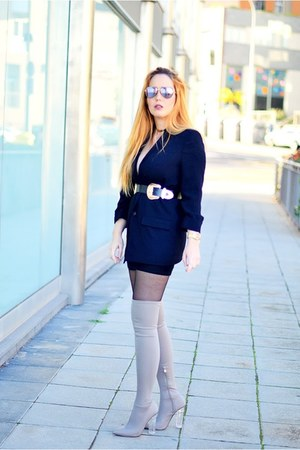 black Zara blazer - silver Carolina Boix boots - black opticalh Bolon sunglasses