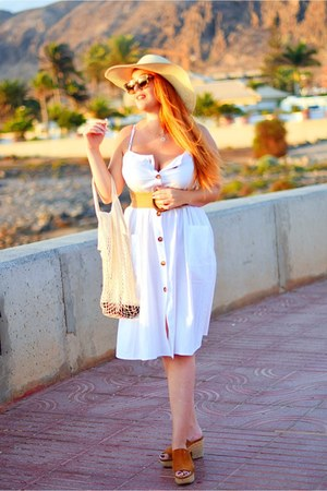 white Novashe dress - beige Gabidi hat