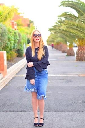 crimson opticalh woow sunglasses - blue Zara skirt - black BLANCO heels