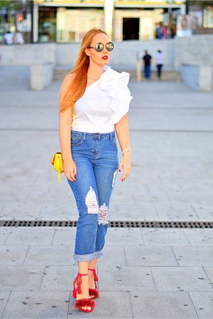 blue Zara jeans - black Jimmy Choo sunglasses - white tintoretto blouse
