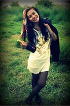 from Sydney scarf - Bali earrings - Online store jacket - madamoiselle t-shirt -