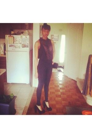 black Sirens shirt - black skinny urban behavior pants - black Sirens heels