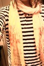 Uggs-boots-flowers-h-m-scarf-stripes-h-m-blouse