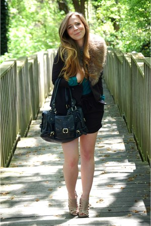 fur collar accessories - highwaisted shorts - green blouse