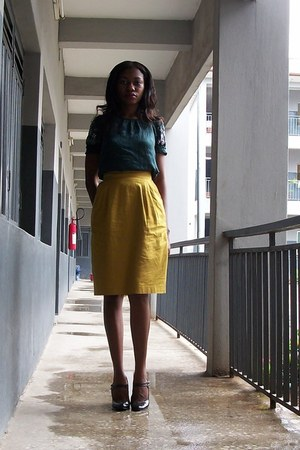 dark green boho QS top - black select shoes - mustard Vipel skirt