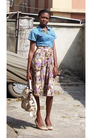 vegetable motif Jane More skirt - nude B2 shoes - denim shirt La Fraise shirt