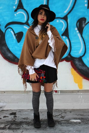 Uber Kuchi necklace - Dr Martens boots - Ethnic Lanna bag - free people socks