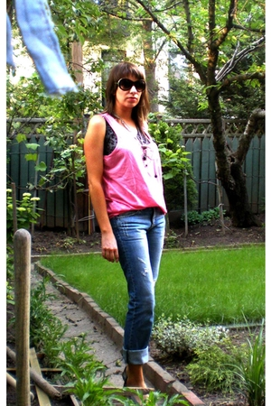 H&M t-shirt - Zara top - Uniqlo jeans - Urban Outfitters shoes