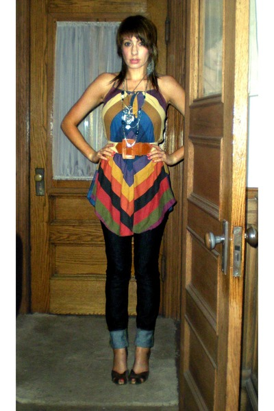 Ebay top - Thrift Store belt - Uniqlo jeans - Target shoes - Thrift Store neckla