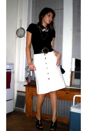 white H&M skirt - black Miss Sixty shoes - black silk print Forever21 scarf