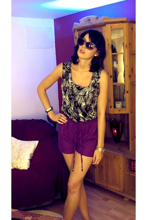 H&M shorts - H&M sunglasses - Matthew Williamson top - DKNY bracelet