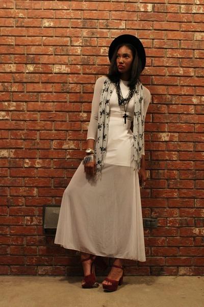vintage dress - thrifted scarf - Forever 21 necklace