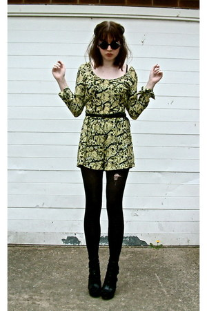 mini round Urban Outfitters sunglasses - butterfly print asos romper - asos sand