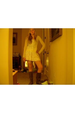 sweater project sweater - luv luv dress - hotkiss boots