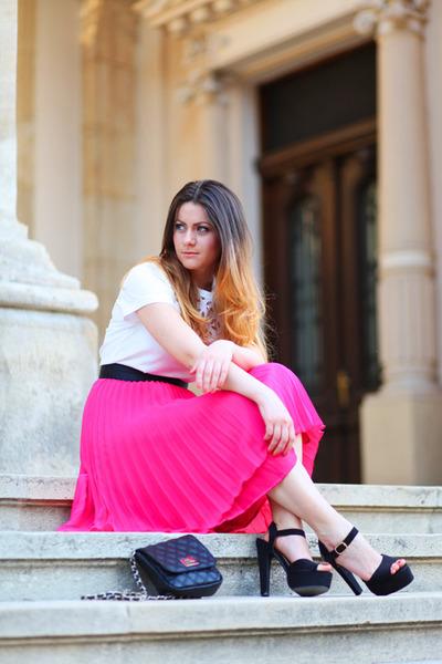 H&M skirt - Aldo bag - Mango t-shirt - Parfois heels